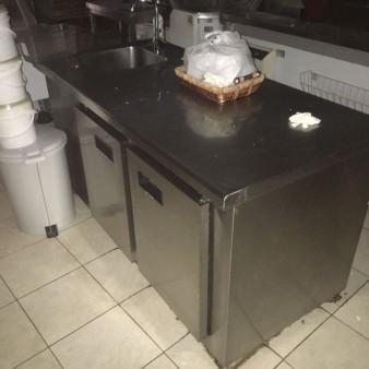 Ψυγείο με Γούρνα Νεροχύτη