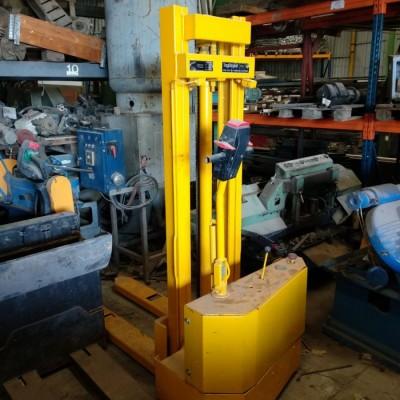 Παλετοφόρο Ηλεκτρικό (1000kg - 3.00m)